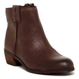 Sam Edelman Shoes - SAM EDELMAN James Leather Almond Toe Bootie 7.5
